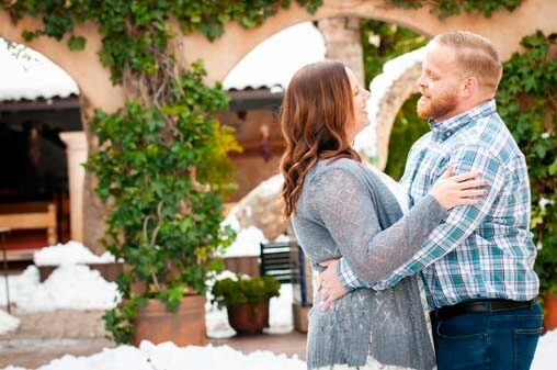 Sedona Engagement Photography on a Fun Snow Day